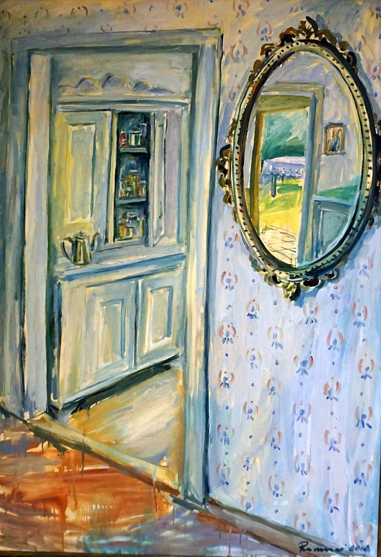 Interjeras su veidrodžiu